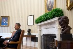 Barack_Obama_with_Oval_Office_art