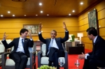 President_Barack_Obama_talks_with_Prime_Minister_Justin_Trudeau_of_Canada_and_President_Enrique_Peña_Nieto_of_Mexico_prior_to_the_2015_APEC_Summit