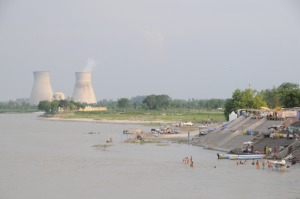 Ganges_River_near_Narora_Nuclear_Power_Plant_UP_India