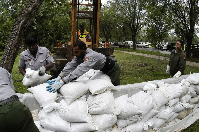 FEMA_Hurricane Isabel_09-19-2003_in_District_of_Columbia