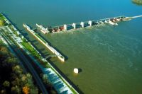 Mississippi_River_Lock_and_Dam_number_22