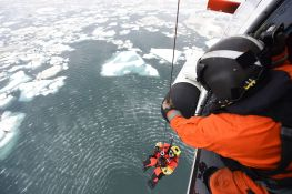 Coast_Guard_participates_in_joint_Arctic_search_and_rescue_exercise_150714-G-YE680-576